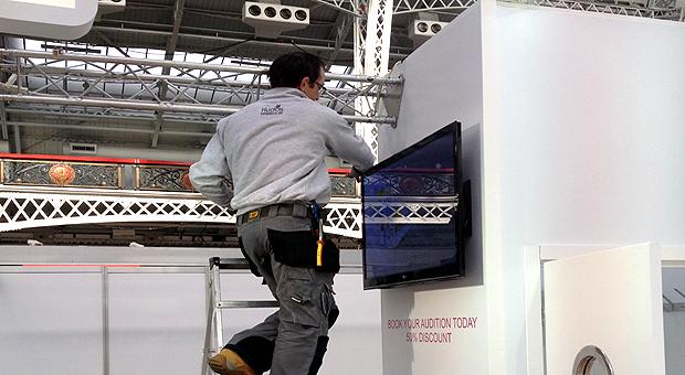 Exhibition Stand Installation : Kudos exhibitions exhibition stand installation